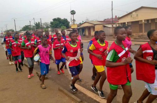 Article : Footing des clubs 25 de Sotouboua, un pas de géant pour une synergie  autour du don de sang