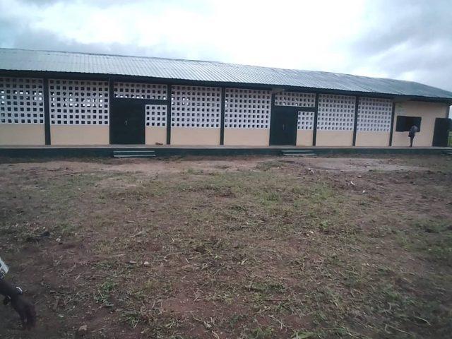 Les écoliers de l'EPP de Konkondè à l'abris des intempéries
